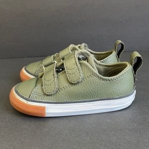 Kids Converse Chuck Taylor All Star Sneakers
